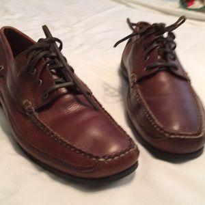 EUC, Size 10 M Bass Brown leather driving shoes.